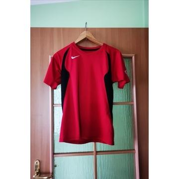 Czerwona sportowa koszulka Nike S