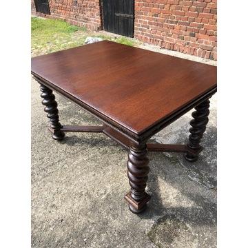 Stół w stylu gdańskim