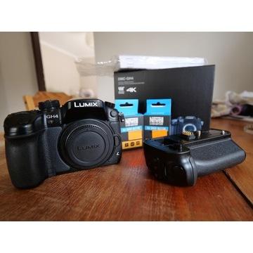 Panasonic DMC-GH4 + grip DMW-BGGH3 + 2 baterie