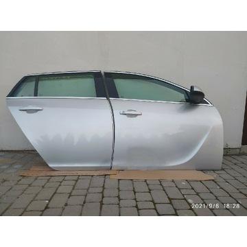 Opel Insignia A drzwi komplet prawa strona Z176