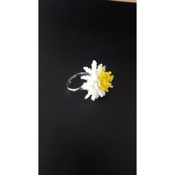 Pierścionek kwiat regulowany RĘKODZIEŁO!