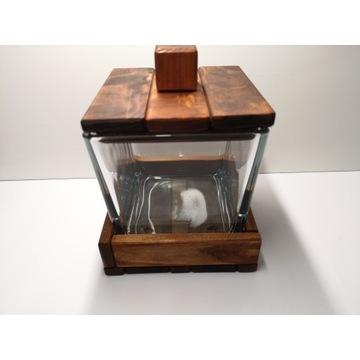 Szkatułka szklano-drewniana 900ml, solidna.