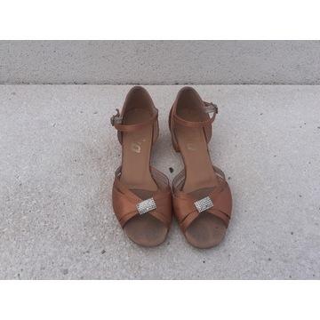 Buty do tańca dla dziewczynki