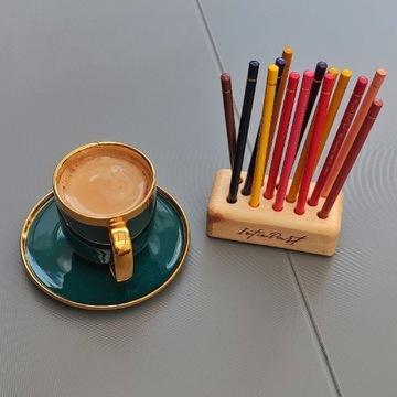 Stojak, przybornik, organizer na kredki i ołówki