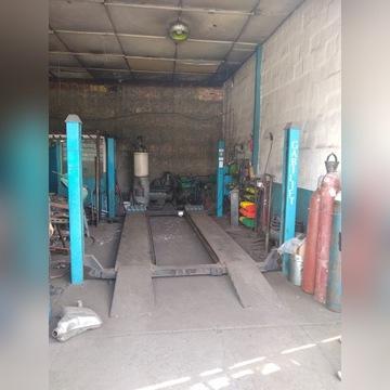 Podnośnik hydrauliczny czterokolumnowy 2500kg