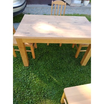 Stół+4 krzesła. Komplet kuchenny.