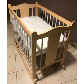 Kołyska - łóżeczko dla dziecka z materacem
