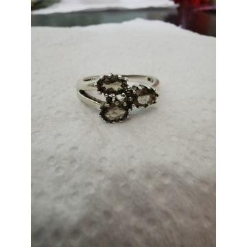 Pierścionek srebrny pr 925