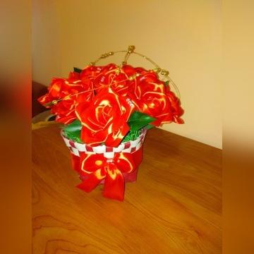 Koszyk róż. Rękodzieło. Walentynki.