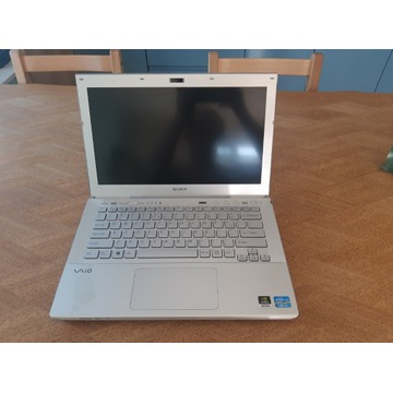 Laptop Sony VAIO Intel Core i3/14''/4GBram/GeForce