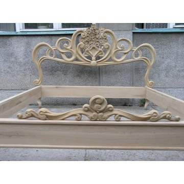 Łóżko recznie rzeźbione