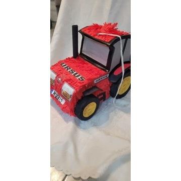 Piniata traktor