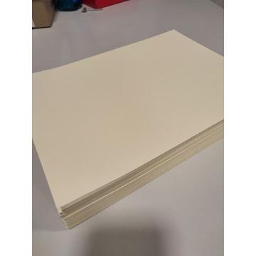 Papier wizytówkowy A4 gładki ecru 150 sztuk
