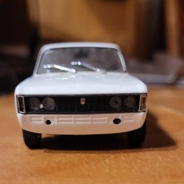 Fiat 125p Jamnik - model 1:43
