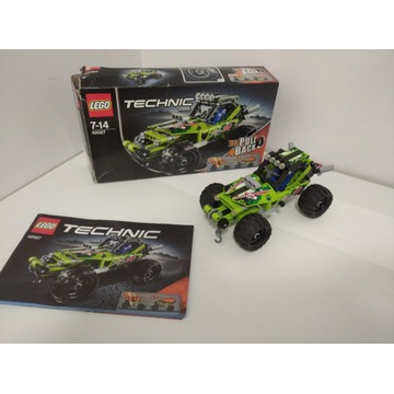 Lego Technic Pustynna wyścigówka 42027