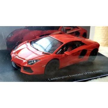 Lamborghini SpecialC modele w skali 1:43 gablotka
