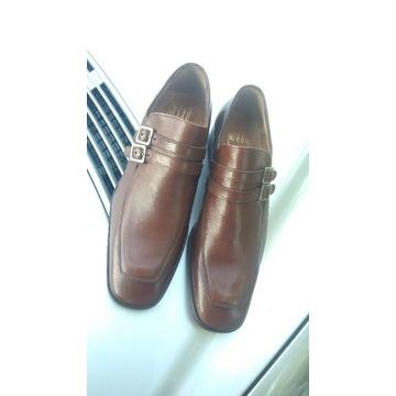Buty z skóry naturalnej.