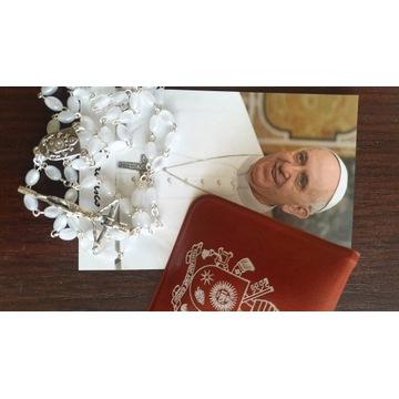 Różaniec papieża Franciszka relikwia