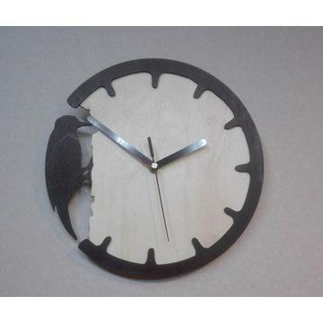 Zegar drewniany z dzięciołem 28 cm