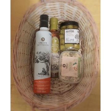 zestaw greckich produktów: oliwa, oliwki