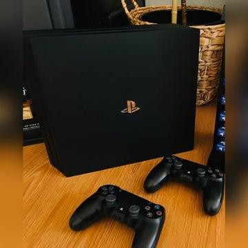 Play station PS4 Pro 1TB 2 pady jak nowe.