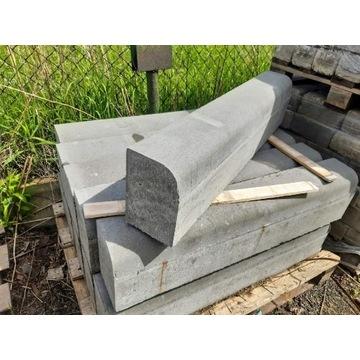 Betonowy krawężnik najazdowy szary 15x22x100