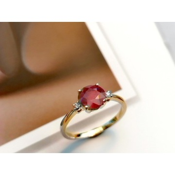Złoty pierścionek 0,585 z rubinem i brylantami