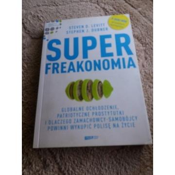 Super Fraekonomia