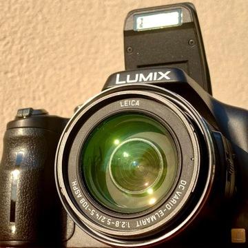 Aparat Panasonic Lumix DMC- FZ150 + torba Lower Pr