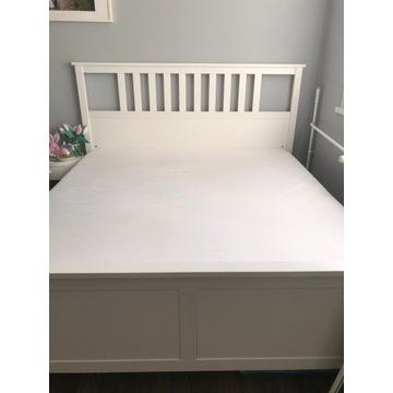 Białe łóżko małżeńskie IKEA HEMNES 180x200