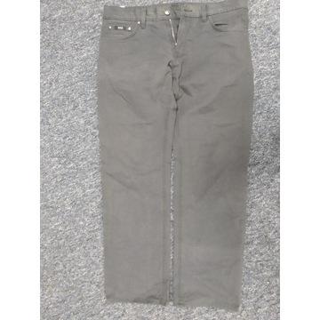 Spodnie HUGO BOSS  rozmiar 34 L
