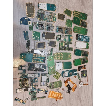 Elektronika z telefonów na odzysk złota