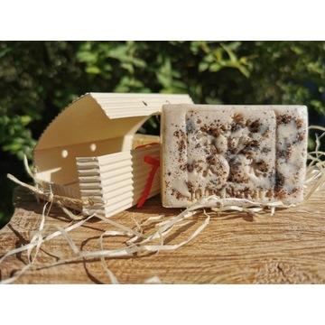Peelingujace mydło żywokostowe na mleku kozim