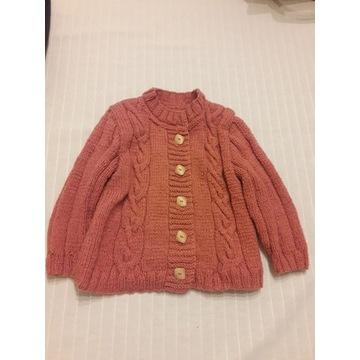 Sweterek ręcznie robiony na drutach