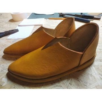 Buty średniowieczne damskie
