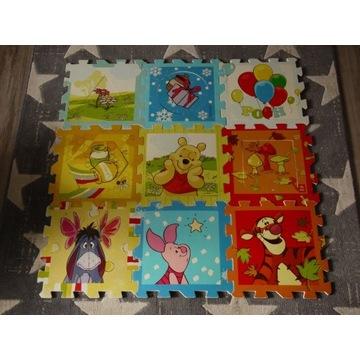 Duże (każdy 31x31) puzzle piankowe marki Trefl
