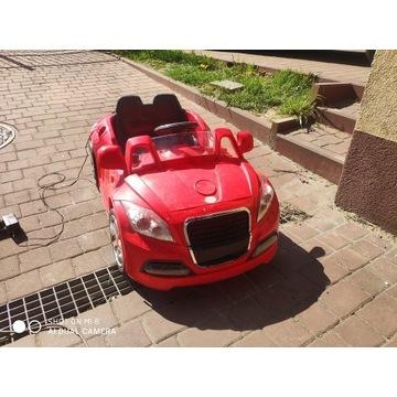Samochodzik elektryczny