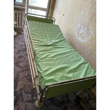 łóżko rehabilitacyjne z materacem