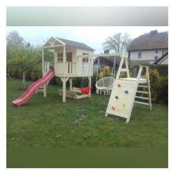 Plac zabaw domek dla dzieci