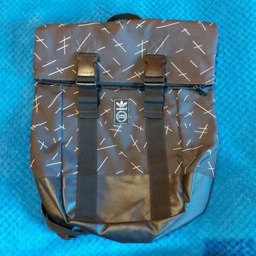 Ładny miejski plecak Adidas 40x35x11 Polecam !!!