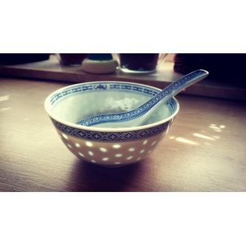 Chińska miseczka z porcelany ryżowej + łyżeczka
