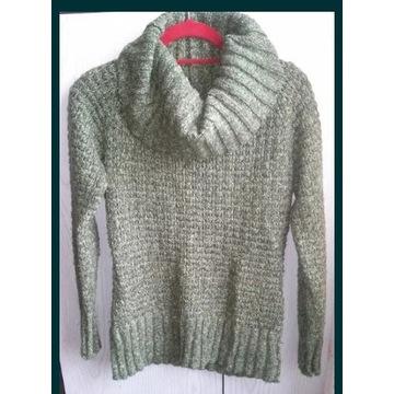 Zielony ciepły sweter - golf