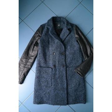 Zimowy płaszcz, wełna (45%) i eko skóra r. 34