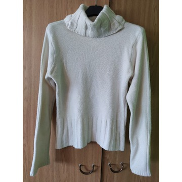 sweter damski golf biały