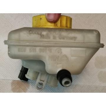Zbiornik wyrównawczy płyn hamulcowego 8E0 611 301G