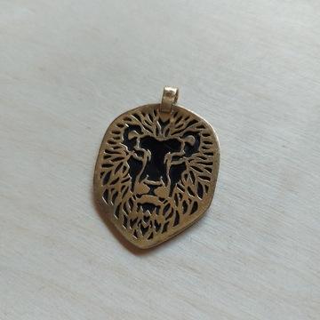 Złota zawieszka znak zodiaku Lew z żółtego złota