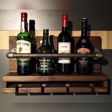 Półka na alkohol z wieszakiem na kieliszki