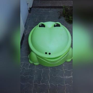 Piaskownica żaba