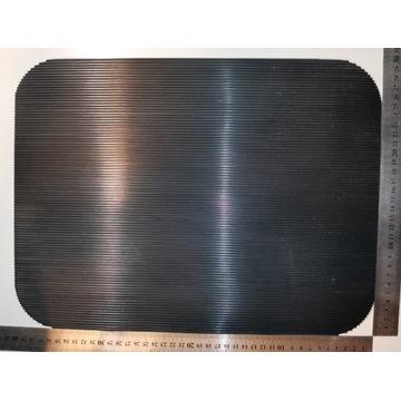 Mata gumowa antypoślizgowa rowkowana 30cm x 40cm