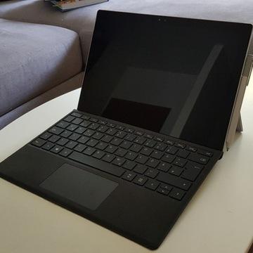 Microsoft Surface pro 4 + klawiatura z rysikiem